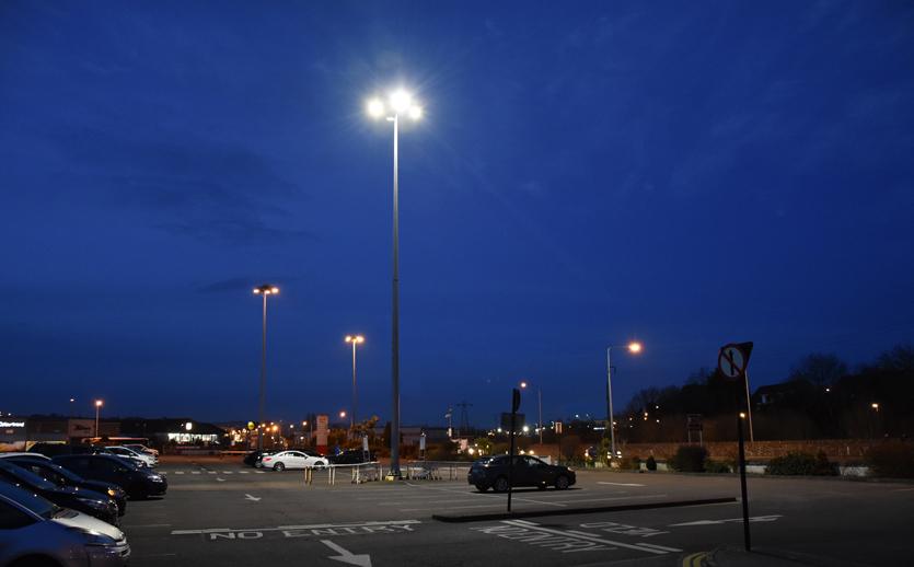 High-Mast-LED-Lights-Photo-of-Parking-area